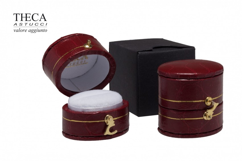 Jewelry box Wrapped boxes Giava Giava oval ring 34x23x32 red