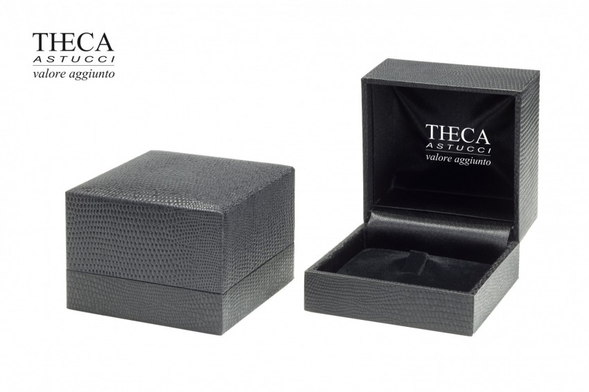 Jewelry box Wrapped box Total black Total black ring 70x70x50