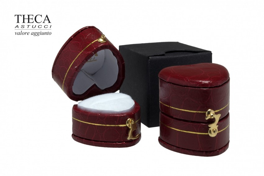 Jewelry box Wrapped boxes Giava Giava heart ring 31x31x32 red