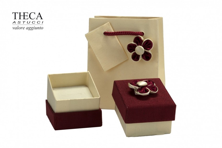 Jewelry box Carboard boxes Ilary ìilary ring 49x55x34 red