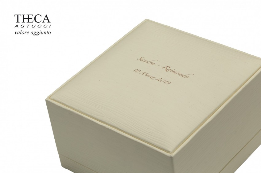 Jewelry boxes Jewelry box with name Edith name Edith presentation box for wedding rings 99x101x64 cream