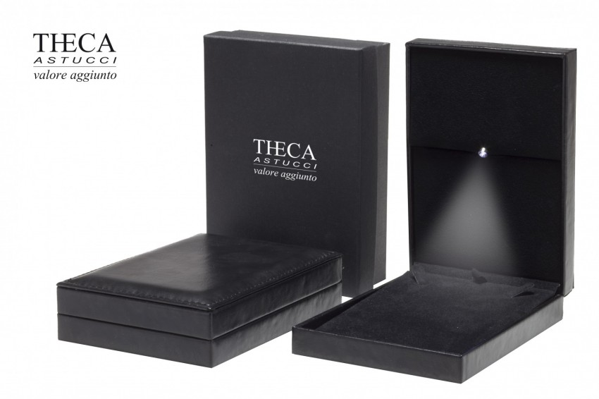 Jewelry boxes Jewelry box with led light Andromeda Andromeda presentation box for necklace 110x159x41 black with led