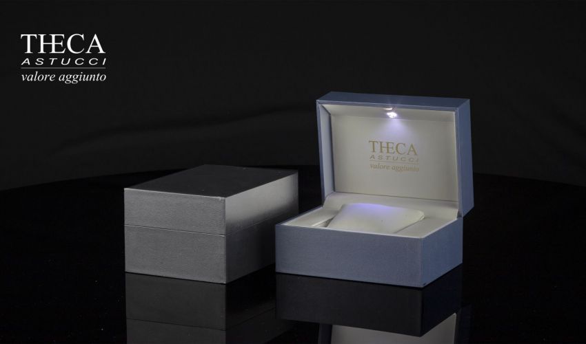COMETA gives light to your watch